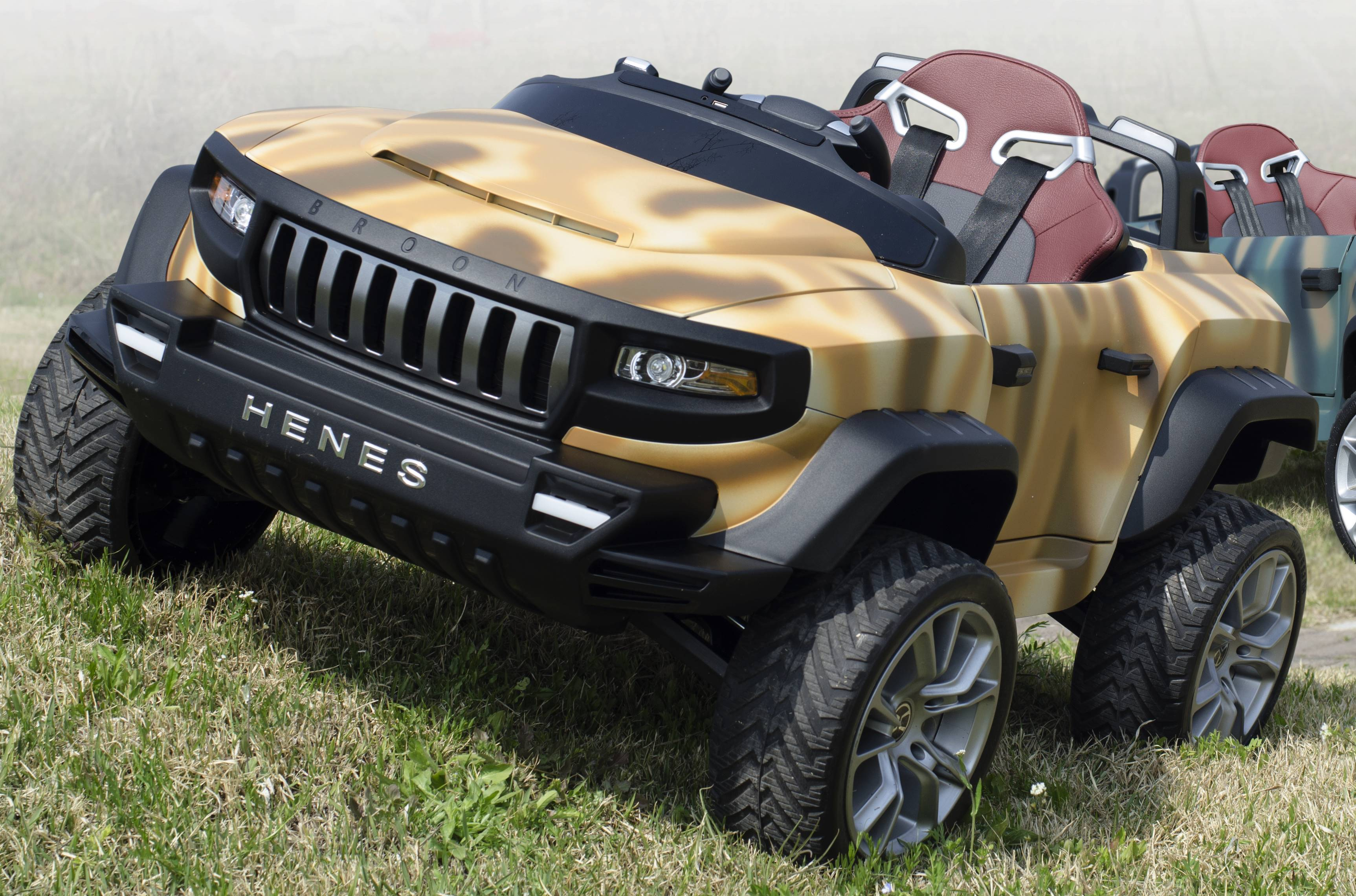 henes broon t870 army sand luxus kinder elektro auto allrad 4x4 24volt kinderauto online shop. Black Bedroom Furniture Sets. Home Design Ideas