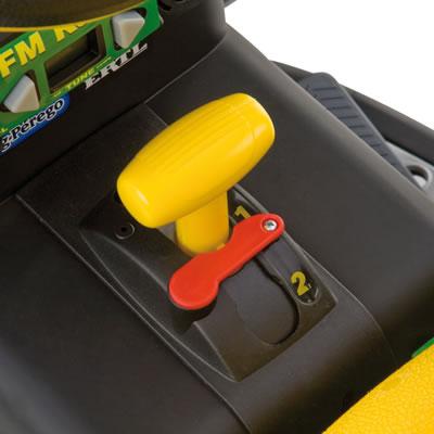 12v peg perego john deere ground force elektro traktor billiger ohne anh nger. Black Bedroom Furniture Sets. Home Design Ideas